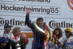 Freddie Spencer, Rothmans Honda, Christian Sarron, Team Gauloises Yamaha, Ron Haslam, Rothmans Honda Britain sur le podium