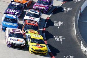Restart: Ryan Blaney, Team Penske, Ford Mustang Menards/Pennzoil, führt