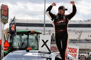 Josh Berry, JR Motorsports, Chevrolet Camaro Chevrolet Accessories celebrates his win