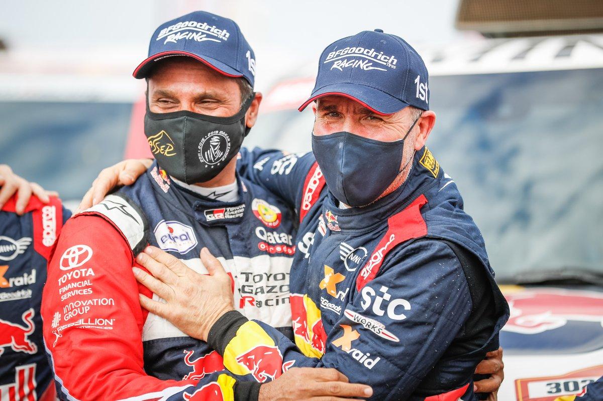#302 X-Raid Mini JCW Team: Stéphane Peterhansel, #301 Toyota Gazoo Racing: Nasser Al-Attiyah