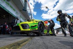 #911 Manthey-Racing Porsche 911 GT3 R: Earl Bamber, Michael Christensen, Kevin Estre, Laurens Vanthoor