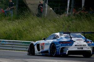 Reifenschaden: #18 Mercedes-AMG GT3, GetSpeed Performance: Fabian Vettel, Philip Ellis, Luca Ludwig