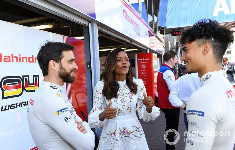 Actress Naomi Harris with Jérôme d'Ambrosio, Mahindra Racing, Pascal Wehrlein, Mahindra Racing