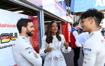 Actress Naomi Harris with Jérôme d'Ambrosio, Mahindra Racing, Pascal Wehrlein, Mahindra Racing