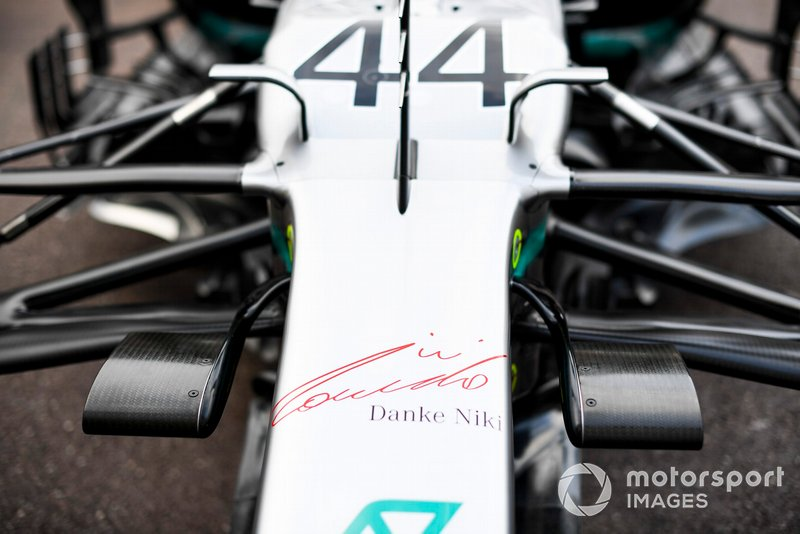Thank You Niki logo on the front of Lewis Hamilton, Mercedes AMG F1 W10 in tribute of Niki Lauda