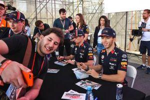 Pierre Gasly, Red Bull Racing y Max Verstappen, Red Bull Racing