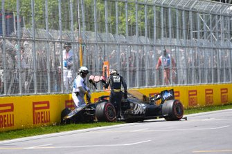 Авария: Кевин Магнуссен, Haas F1 Team VF-19
