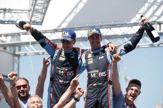 Les vainqueurs Dani Sordo, Carlos del Barrio, Hyundai Motorsport Hyundai i20 Coupe WRC