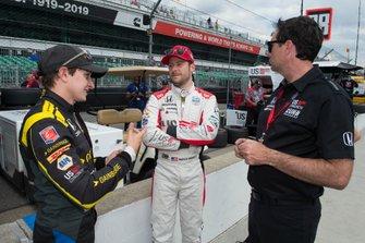 Zach Veach, Andretti Autosport Honda talks to Marco Andretti, Andretti Herta with Marco & Curb-Agajanian Honda and Bryan Herta