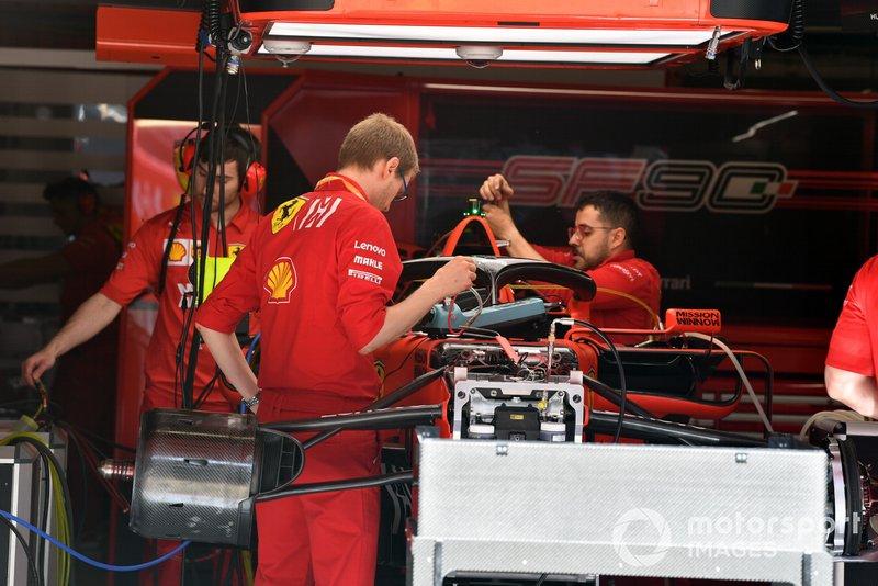Ferrari SF90 front end