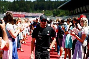 Valtteri Bottas, Mercedes AMG F1, lors de la parade des pilotes