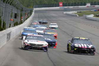 Denny Hamlin, Joe Gibbs Racing, Toyota Camry FedEx Office Jimmie Johnson, Hendrick Motorsports, Chevrolet Camaro Ally