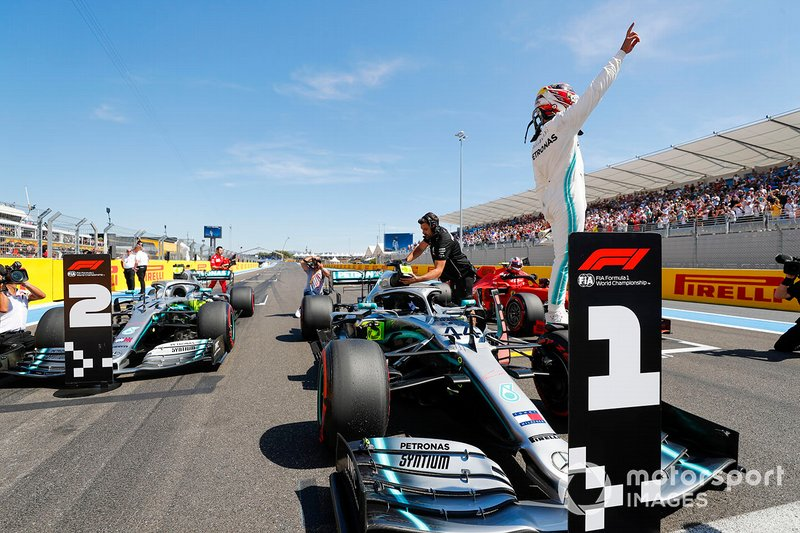 4º Mercedes: 107 pole positions
