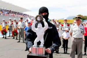 Trophy in the hands of the GIGN