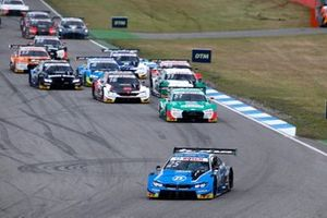 Start, Philipp Eng, BMW Team RBM, BMW M4 DTM leads