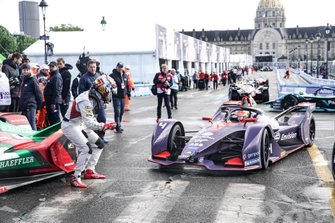 Daniel Abt, Audi Sport ABT Schaeffler, Audi e-tron FE05, gives a thumbs up to Robin Frijns, Envision Virgin Racing, Audi e-tron FE05 after he wins the race