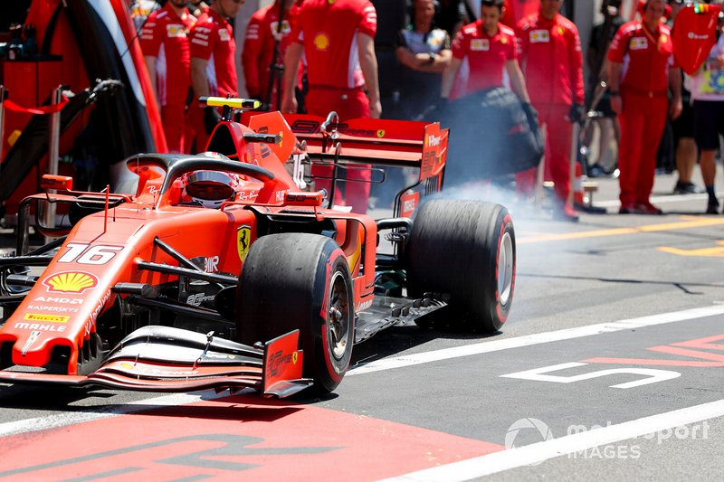 Charles Leclerc, Ferrari SF90, sort de son stand