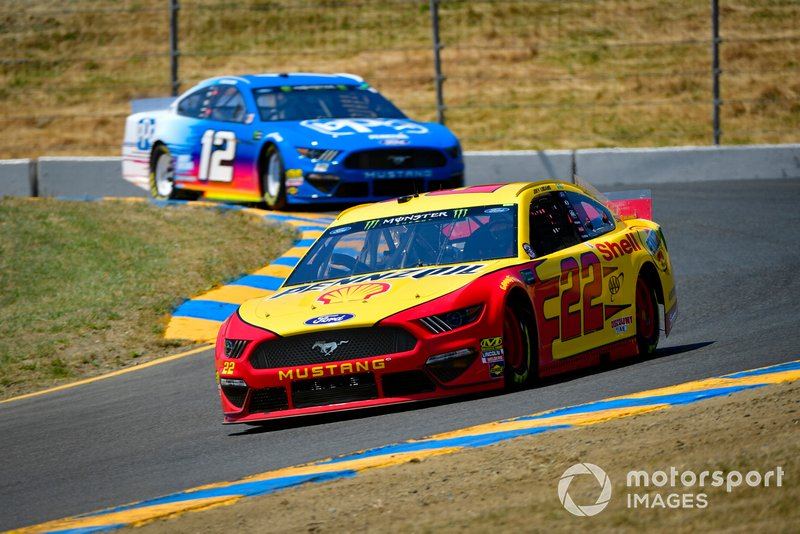Joey Logano, Team Penske, Ford Mustang Shell Pennzoil, Ryan Blaney, Team Penske, Ford Mustang PPG