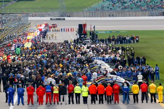 Pre Race pit road teams lined up