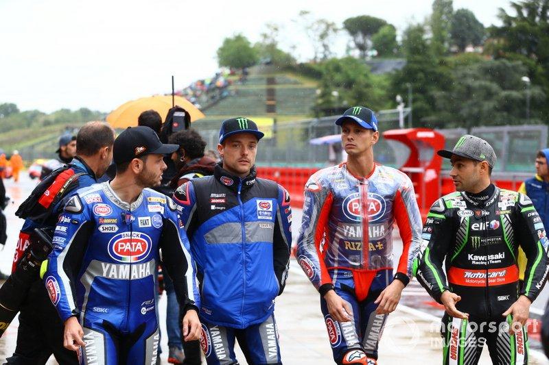Cortes, Alex Lowes, Pata Yamaha, Michael van der Mark, Pata Yamaha, Leon Haslam, Kawasaki Racing Team, lasciano il briefing dei piloti