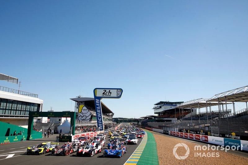 Foto oficial con todos los coches de Le Mans 2019