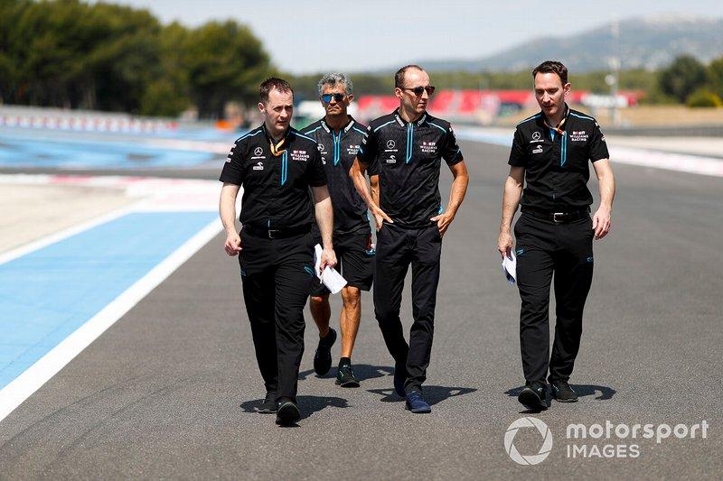 Robert Kubica, Williams Racing, ispeziona il circuito