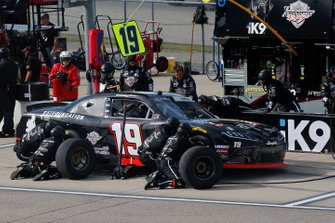 Brandon Jones, Joe Gibbs Racing, Toyota Supra 1st Foundation pit stop