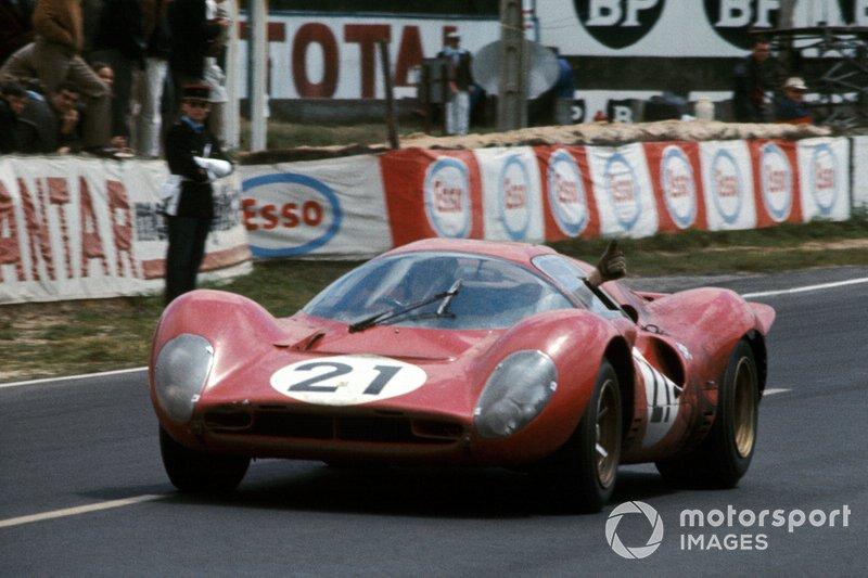 Ludocivo Scarfiotti, Mike Parkes, Ferrari 330 P4 Coup