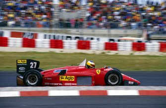Race winner Michele Alboreto, Ferrari 156/85