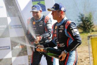 Podium: Sébastien Loeb, Daniel Elena, Hyundai Motorsport Hyundai i20 Coupe WRC