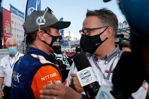 El campeón Scott Dixon, Chip Ganassi Racing Honda con Ted Klaus de Honda HPD