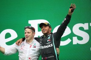 Peter Bonnington, Race Engineer, Mercedes AMG, and Lewis Hamilton, Mercedes-AMG F1, 1st position, on the podium