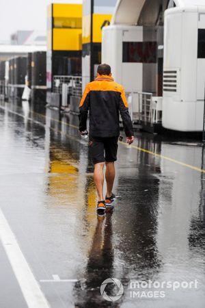 McLaren tam member in the rain