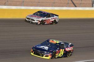 William Byron, Hendrick Motorsports, Chevrolet Camaro Axalta, Cole Custer, Stewart-Haas Racing, Ford Mustang HaasTooling.com
