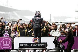 Le vainqueur Carlos Sainz jr., Dams