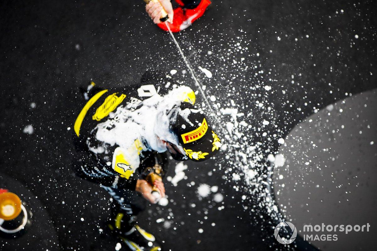 Daniel Ricciardo, Renault F1 celebrates on the podium with the chamapgne