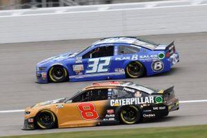 Tyler Reddick, Richard Childress Racing, Chevrolet Camaro Caterpillar Corey LaJoie, Go FAS Racing, Ford Mustang Plan B Sales Foundation