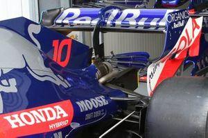 Toro Rosso STR14 rear wing