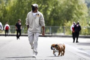 Lewis Hamilton, Mercedes-AMG Petronas F1 arrives with his dog Roscoe
