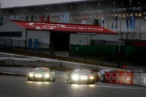 Restart #1 Audi Sport Team Phoenx Audi R8 LMS GT3: Nico Müller, Dries Vanthoor, Frederic Vervisch leads