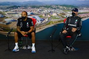 Lewis Hamilton, Mercedes-AMG F1 and Valtteri Bottas, Mercedes-AMG F1, in the post-qualifying press conference