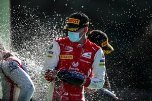 Luca Ghiotto, Hitech Grand Prix, Race Winner Mick Schumacher, Prema Racing and Christian Lundgaard, ART Grand Prix celebrate on the podium with the champagne