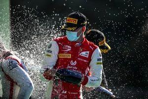 Luca Ghiotto, Hitech Grand Prix, le vainqueur Mick Schumacher, Prema Racing et Christian Lundgaard, ART Grand Prix, sur le podium