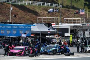 #86 Meyer Shank Racing w/Curb-Agajanian Acura NSX GT3, GTD: Mario Farnbacher, Matt McMurry, Shinya Michimi, #57 Heinricher Racing w/MSR Curb-Agajanian Acura NSX GT3, GTD: Alvaro Parente, Misha Goikhberg, Trent Hindman