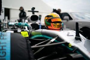 Le casque d'Esteban Guitiérrez sur la Mercedes-Benz AMG F1 W08 EQ Power+