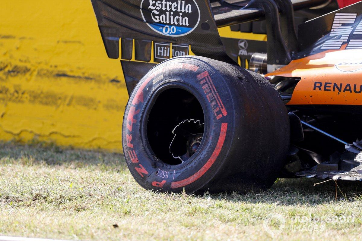 Auto danneggiata di Carlos Sainz Jr., McLaren MCL35