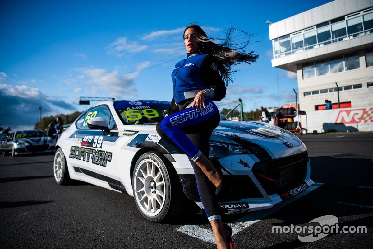 Грид-герл команды Sofit Racing Team