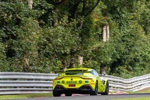 #97 TF Sport Aston Martin Vantage GT4: Jamie Caroline, Daniel Vaughan
