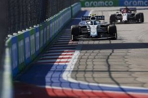 Nicholas Latifi, Williams FW43, Kimi Raikkonen, Alfa Romeo Racing C39