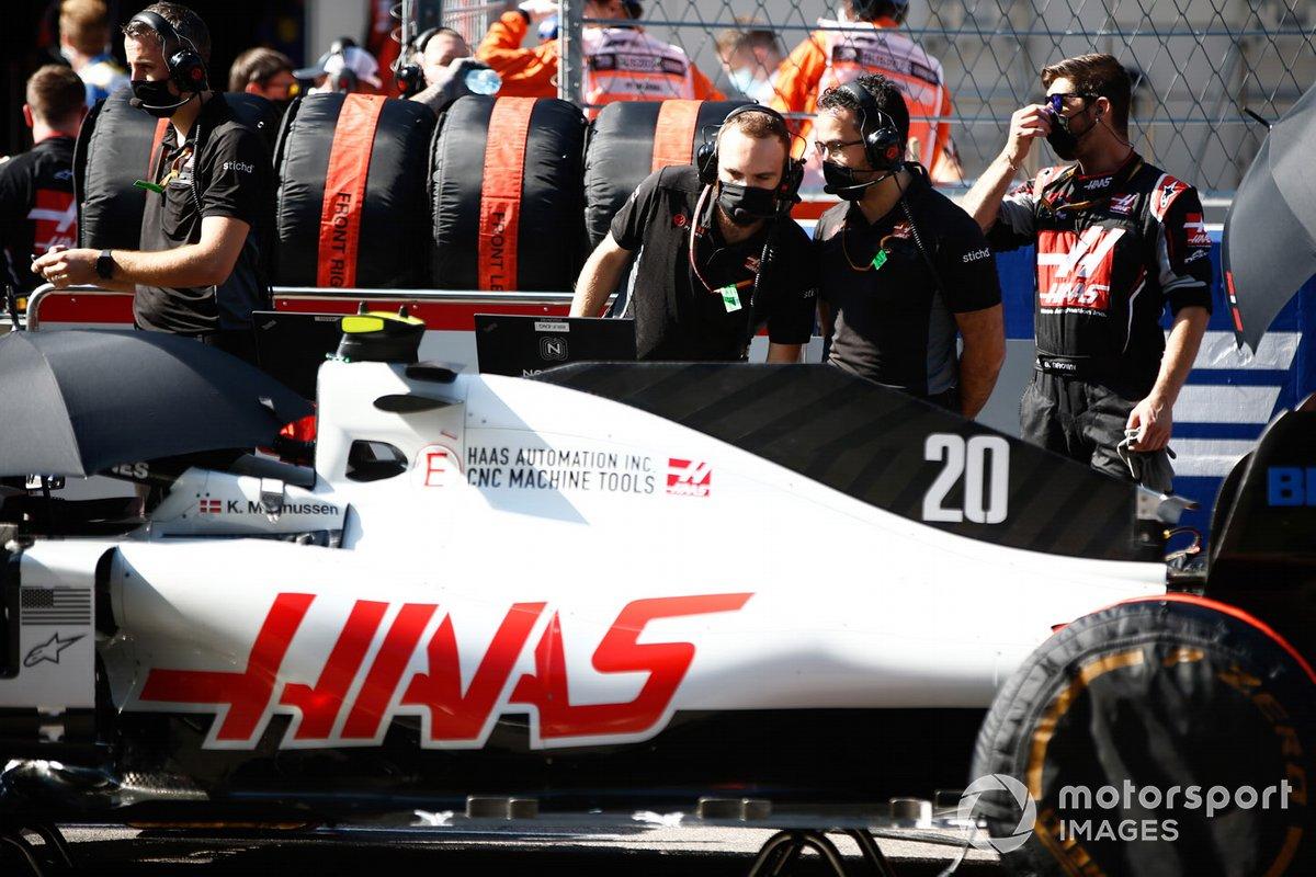 Mecánica en la parrilla con Kevin Magnussen, Haas F1